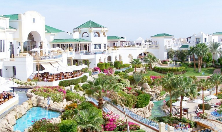 Отель Dessole Royal Rojana Resort